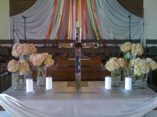 Crazy weekend doing wedding flowers for Wendy & Jay!